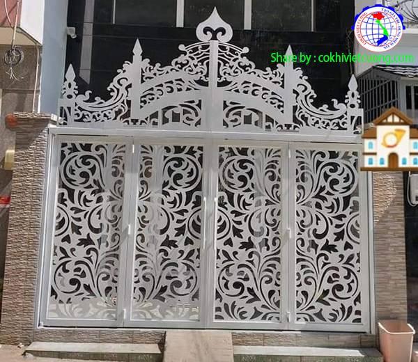 Thiết kế cửa sắt nghệ thuật 4 cánh họa tiết hoa lá cành