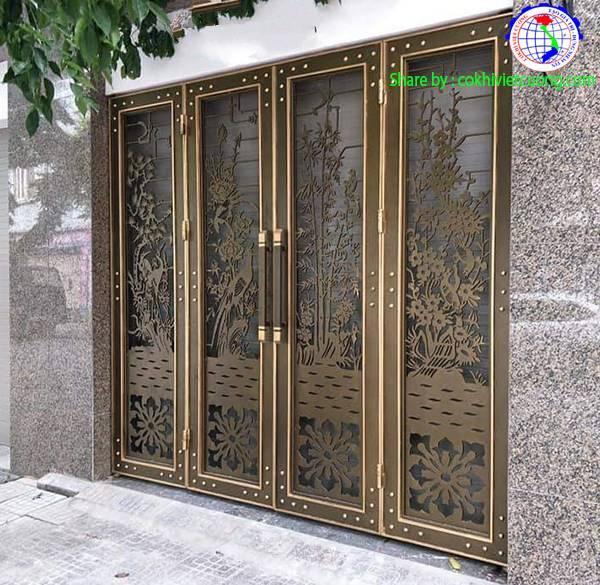 Cửa sắt nghệ thuật Tùng - Cúc - Trúc - Mai 4 cánh màu đồng
