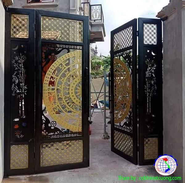 Thiết kế cửa cổng sắt nghệ thuật 4 cánh họa tiết trống đồng