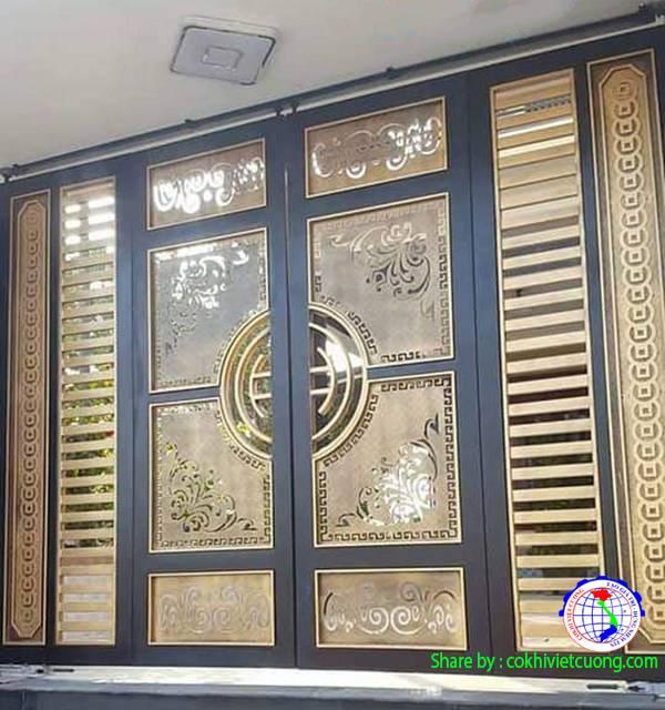 Mẫu cửa cổng sắt nghệ thuật 4 cánh màu đồng hoa lá cành