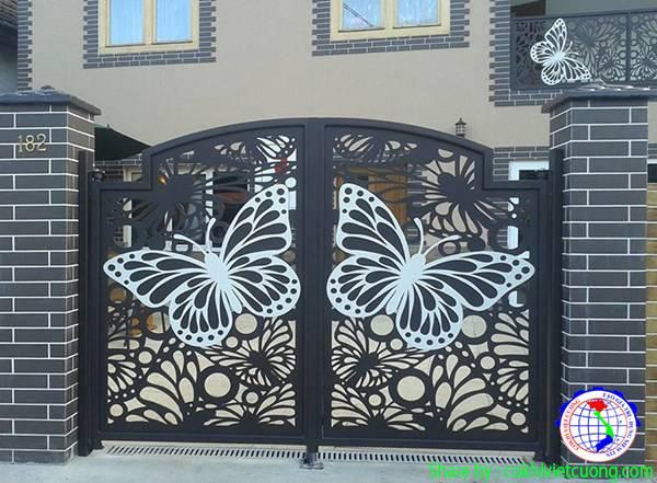Cửa cổng sắt cánh bướm mỹ thuật