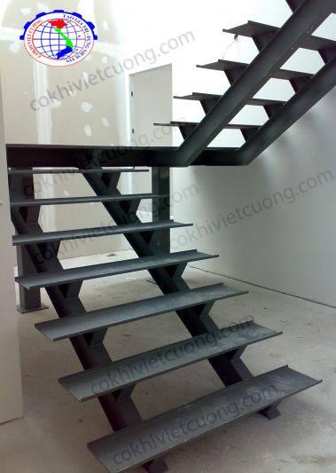 cầu thang xương cá bằng sắt