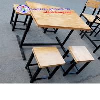 bàn ghế gỗ chân sắt quán ăn