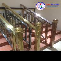Cầu thang inox màu