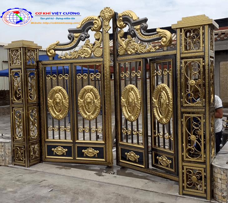 mẫu cửa cổng inox màu