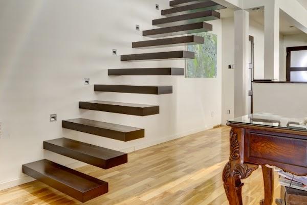 Cầu thang xương bay là gì?
