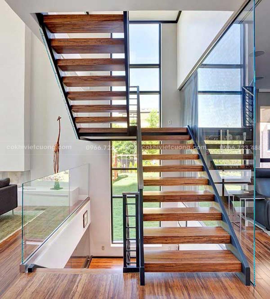 Có khá nhiều loại cầu thang được thiết kế từ nhiều chất liệu khác nhau.